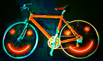 joyrider-illuminated-smiley-face-bicycle-light-show
